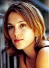 Amy Jo Johnson Image 3